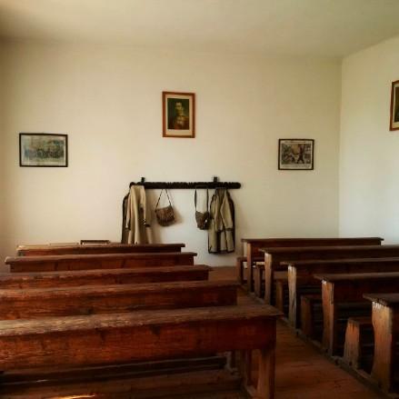 Valcea Village Museum
